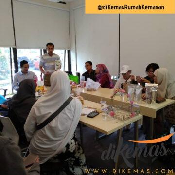 Diskusi dan Pelatihan Bedah Kemasan