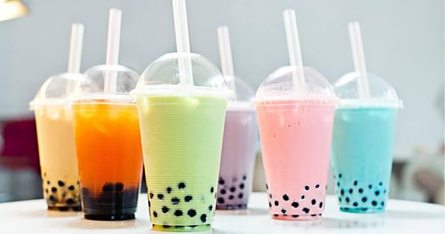 Grosir Gelas Plastik Untuk 5 Minuman Kekinian Ini!