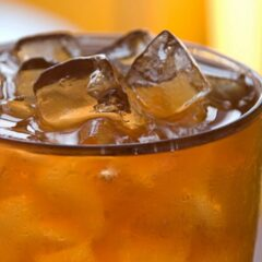 Ini Caranya Agar Gelas Kertas untuk Minuman Dingin Tetap Menarik!