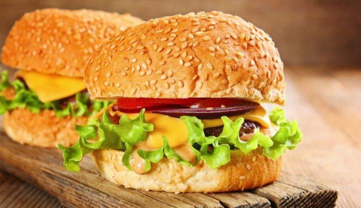 cobain-usaha-makanan-siap-saji-burger-lezat-nan-nikmat