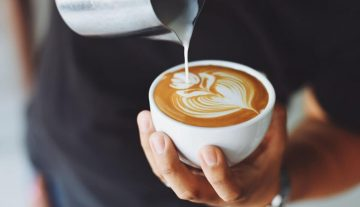 apa-pentingnya-peranan-sosial-media-dalam-bisnis-coffee-shop